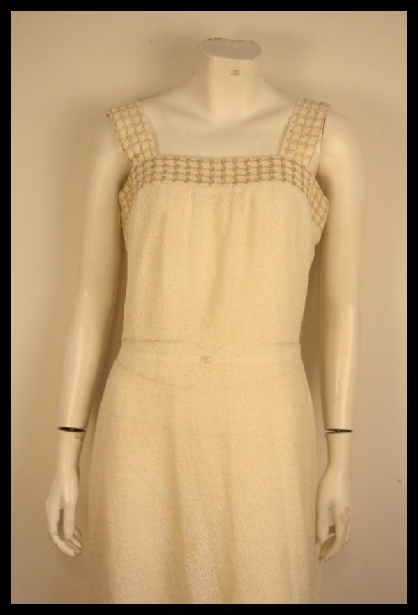 8b819d0a56ad Flot vintage kjole fra 70erne i råhvid strik.